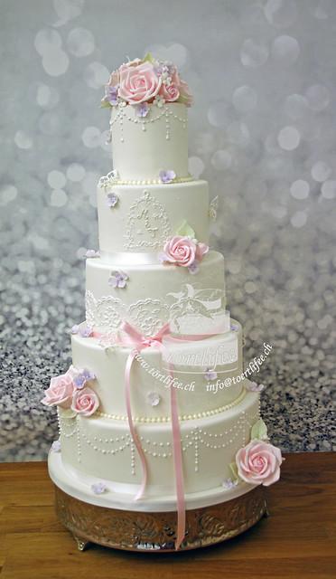 Noble Wedding Cake