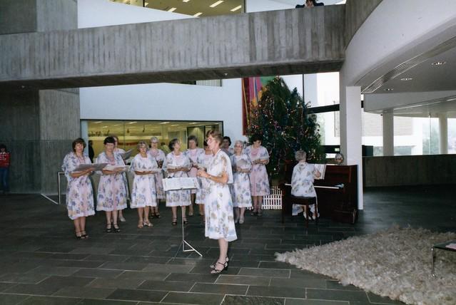 Scotsglen ladies sing Christmas carols