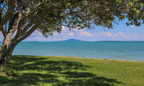 andygocher canon100d rangitoto volcano newzealand beachlands tree water landscape clouds