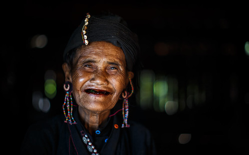 ©sébmar flickrcomsebmar portrait 7portrait expressions regarderme instasebas birmaniemyanmar sourir kengtung personne shan myanmarbirmanie mm