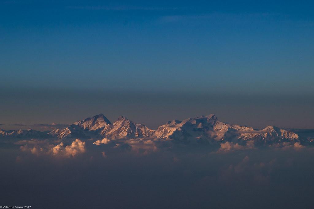 plane to Kathmandu_03_Manaslu