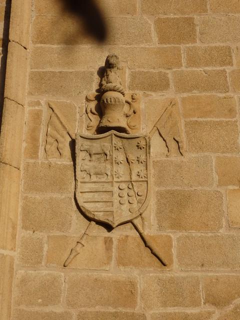 Shield in the Plaza de San Jorge