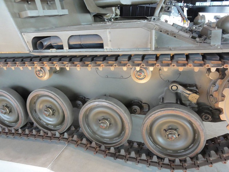 AMX 13 PRA Howitzer 3