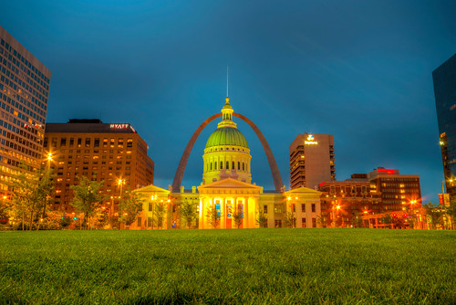 st louis stlouis saint missouri mo dawn sunrise longexposure skyline city cityscape urban gatewayarch oldcourthouse old courthouse gateway arch midwest stlouismissouri stlouismo