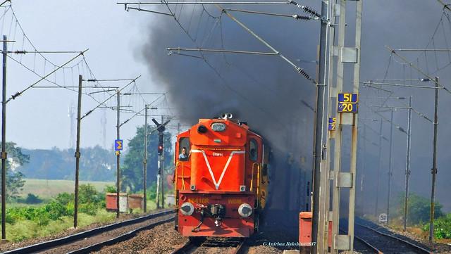 Alco Chugging.13162/Tebhaga Express (PT)তেভাগা এক্সপ্রেস Led Orange colour BWN WDM 3A Towards Kolkata.😍😍 Device-Nikon B500