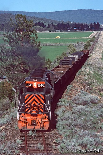 oregoncaliforniaeastern railroads oce ocerailway southernpacific sp klamathcounty klamathbasin oregon trains freighttrain emd gp40 abandonedrailroad