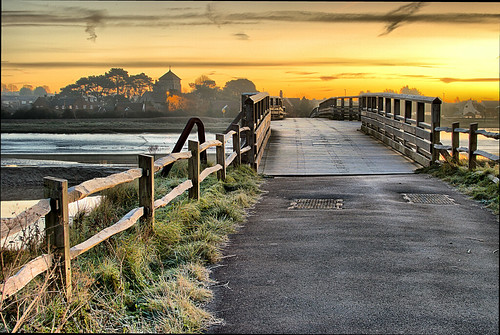 dawn sunrise sunset bridge river fence grass frost clouds water church trees lines contrast nikon nikond5500 nikor35mmf18g hdr nikkor