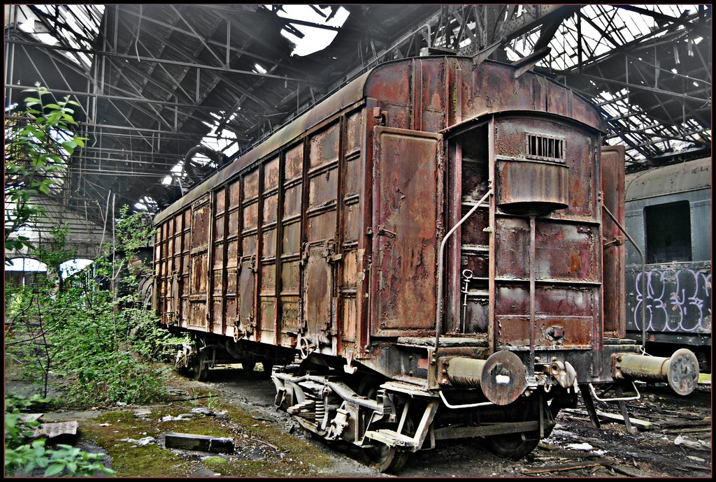 Budapest's Abandoned Train Graveyard :: the places I have been