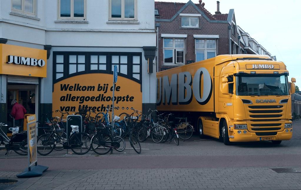 Delivery at Jumbo Supermarket, Biltstraat, Utrecht
