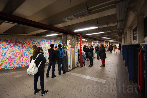1,000s of subway Post-it Notes provide therapy for New Yorkers after Trump's election union square | by Inhabitat