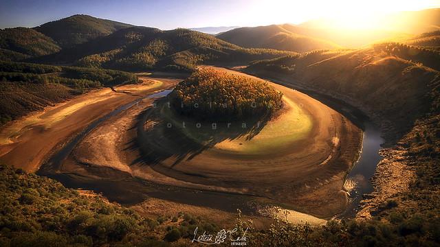 Amanecer en el meandro del Melero. Rio Alagon, Extremadura