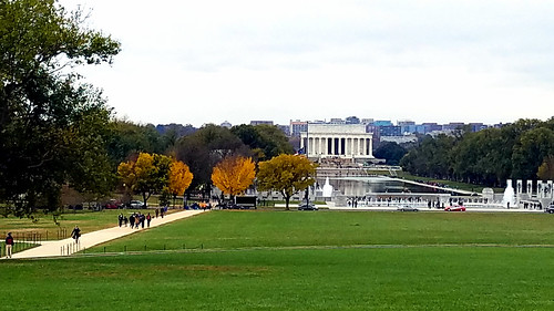 washingtondc districtofcolumbia washington nationalmall photo digital autumn fall park path lincolnmemorial reflectingpool overcast
