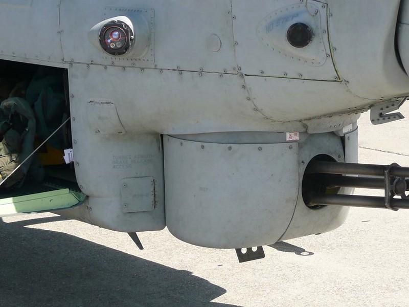 Bell AH-1Z Viper 6
