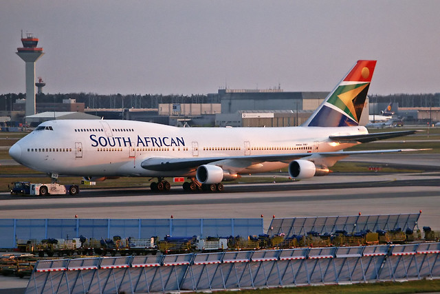 South African Boeing 747-357 ZS-SKB FRA 25-03-02