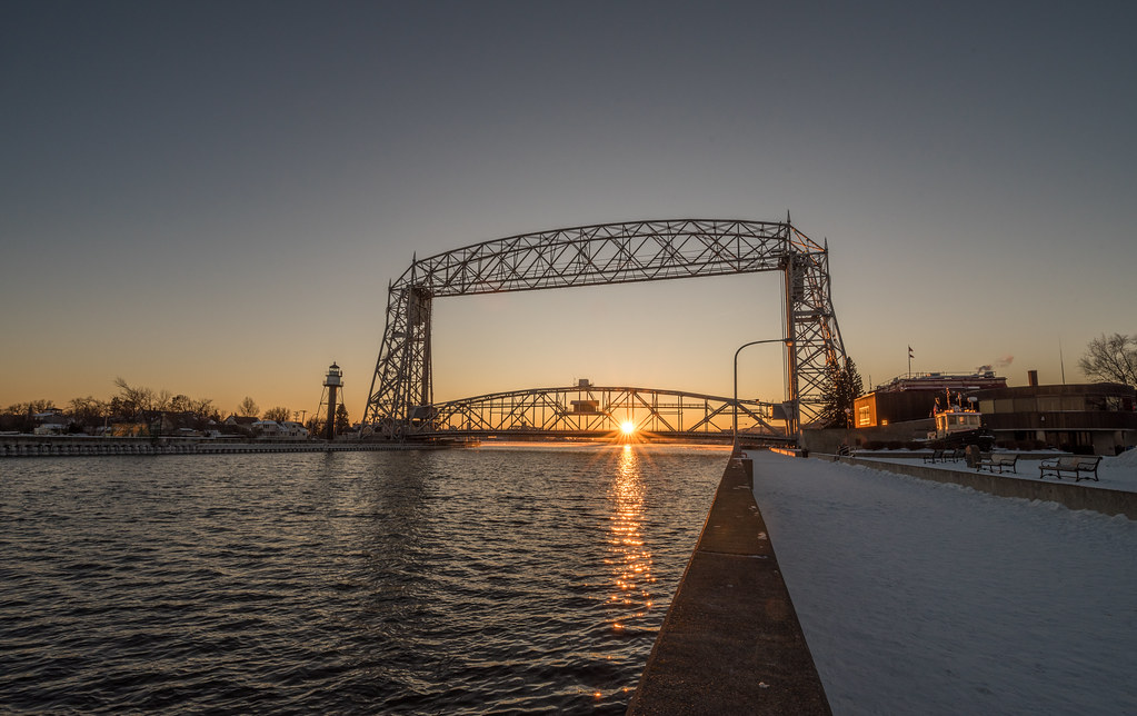 Winter Sunset At The Aerial Lift Bridge Duluth Minnesota Flickr