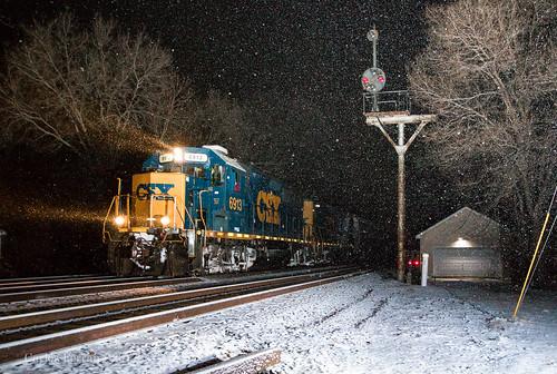 csx csxt emd gp402 locomotive j783 railroad rail road rails turn local christmas eve white snow night flash signal bo cpl ohio troy siding
