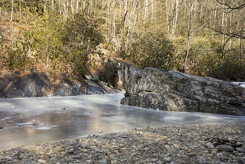 river pigeonriver sunburst water wet spash frozen cold winter icy slick white sun shadows daytime january season rocks stream creek nature outdoors beautiful extreme dslr canon 5d markiv background natural northcarolina mountains pisgahnationalforest haywood