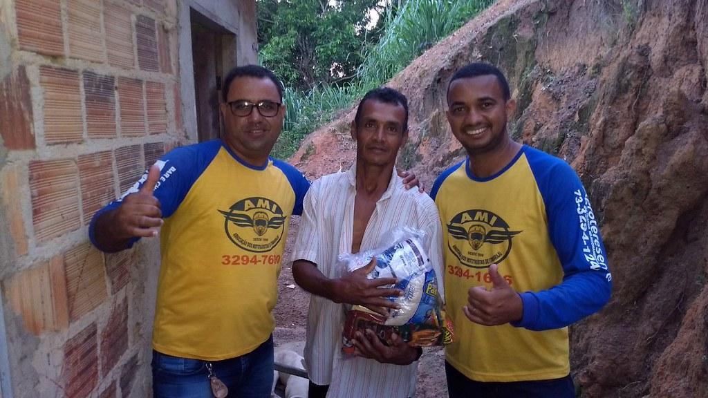 campanha de doação de alimentos dos motaxistas de itamaraju (10)