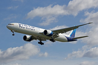 Kuwait Airways Boeing 777-369 9K-AOH
