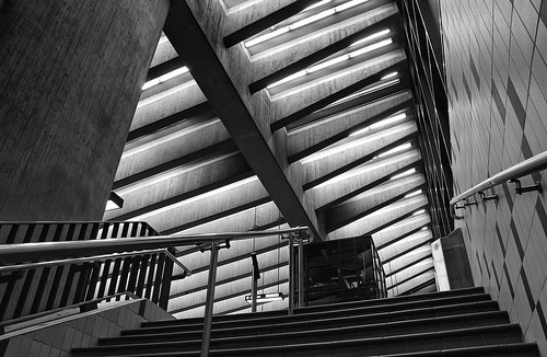 montreal architecture geometry blackandwhite lines patterns bw light shadows contrast subway metro underground downtown town perspective up view canon eos rebel t5i dsrl 700d 18mm akigabo 7dwf