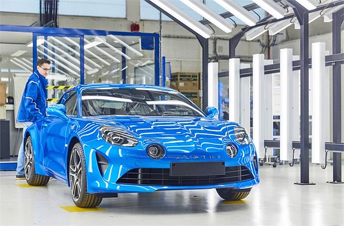 2017 - Fabrication de l'Alpine A110 à l'usine de Dieppe | by Az online magazin