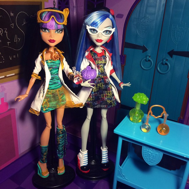 Cleo de Nile & Ghoulia Yelps - Lab Partners (Mad Science, 2013)
