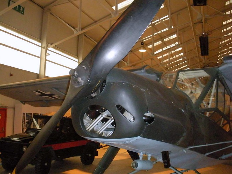 Fieseler Fi-156-C7 Storch 12