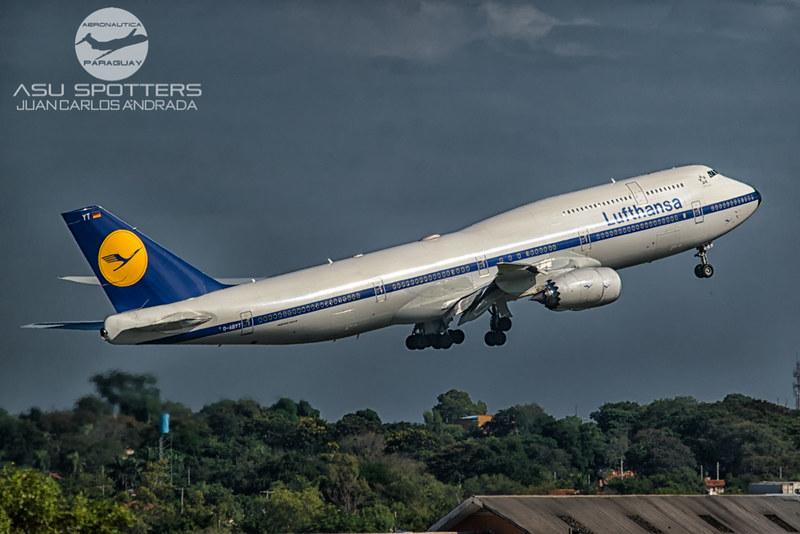 Lufthansa retro livery