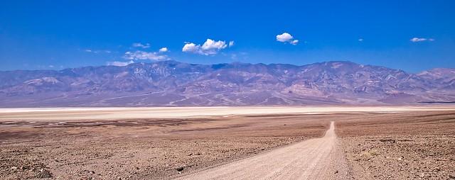Straight through the desert 2 - Tout droit à travers le désert 2