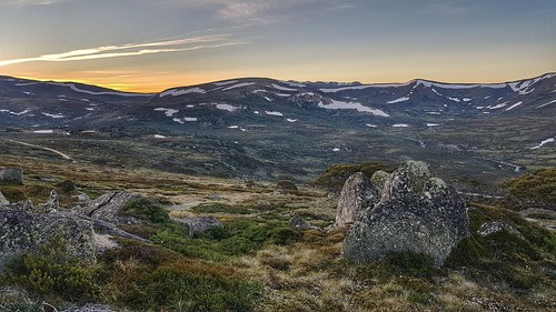 Sunset behind Mount Kosciuszko, from Charlottes Pass   by sbittinger