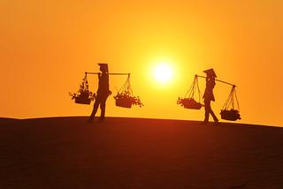 Carrying basket_Mui Ne_Sunset_DSC_7436 | by PRADEEP RAJA K- https://www.pradeeprajaphotos.com/