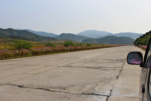 On the road between Pyongyang and Wonsan | by Timon91