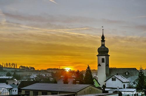trogen sonne sonnenaufgang sunrise morgenstunde dorf kirche gebäude sonya7 sony a7 lichtstimmung himmel sky