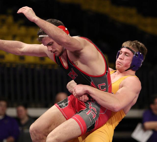 157: Daniel Close (MSU) Dec. over Shea Conley (CMU) 9-4 | MSU 24 – CMU 0 - 180106amk0022