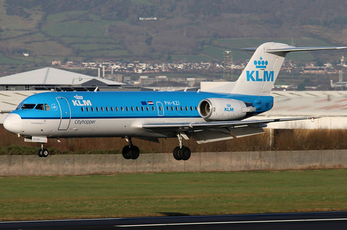 phkzi fokker f70 kl klm klmcityhopper royaldutchairlines bhd egac belfastcityairport regionaljet airliner aircraft aviation