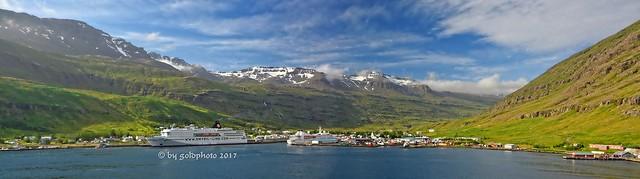 Seyðisfjörður - Hafen Panorama (Montage aus 4 Fotos)