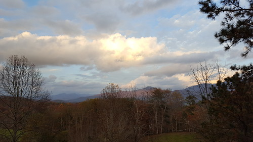 mountains mountainous appalachianmountains mamluke appalachians autumn fall northcarolina nc south batesbranch clouds sunlight view vista