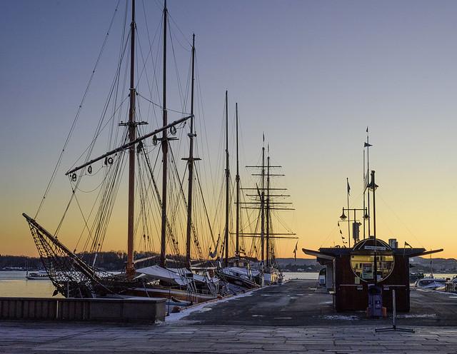 Tallboats at Rådhusbrygga