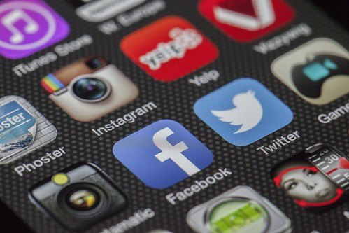 Social apps in smartphone | by Wallboat