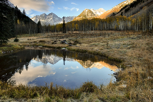 maroonbells colorado fallfoliage fallcolors autumn mountains pond reflections sunrise morning