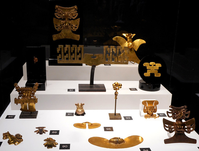 Gold jewelleries from Colombia -