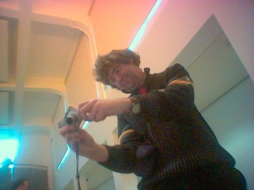 Geert fotografeert log