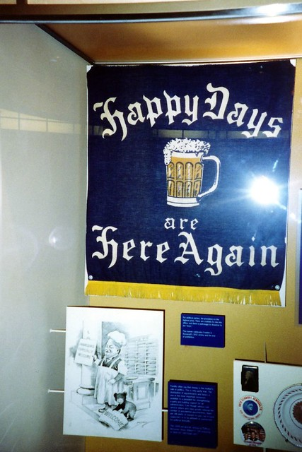 Washington DC - National Museum of American History: Happy Days are Here Again