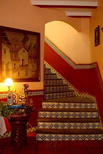 Escalera con Mosaicos de Talavera