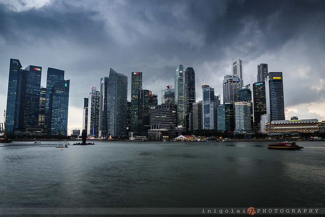 SINGAPORE/before the storm