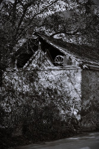 decaying house | by bwstock
