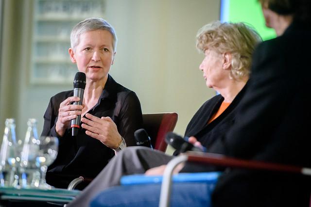 Andrea Dernbach (Journalistin (Der Tagespiegel), Barbara John (CDU, Vorstandsvorsitzende Paritätischer Wohlfahrtsverband Landesverband Berlin) Foto: stephan-roehl.de