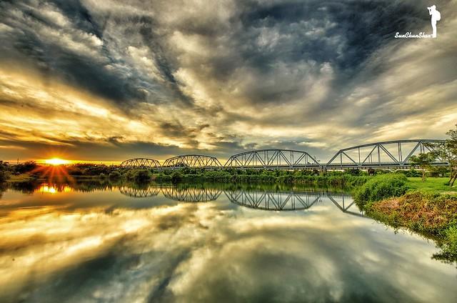 大樹舊鐵橋夕陽