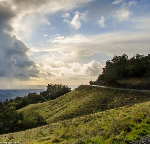 califonia hoodmountainregionalpark landscape otherkeywords santrosa sonomacounty beautiful blue clouds grass hills mist rocks sky