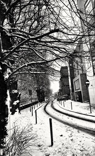 beastfromtheeast limerickcity streetphotography street snowdays snowing blackandwhite daylightphotography white streetlandscape